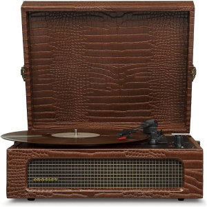 crosley voyager vintage portable turntable with bluetooth and built in speakers brown (2)